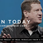 090: The Proof of Real Miracles from a Former Atheist (feat. Lee Strobel)